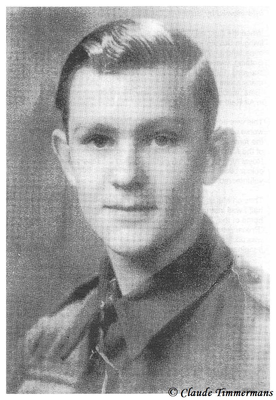 Photo de George prise a Horsham le 21 mai 1944 il avait a peine 17 ans et 10 mois