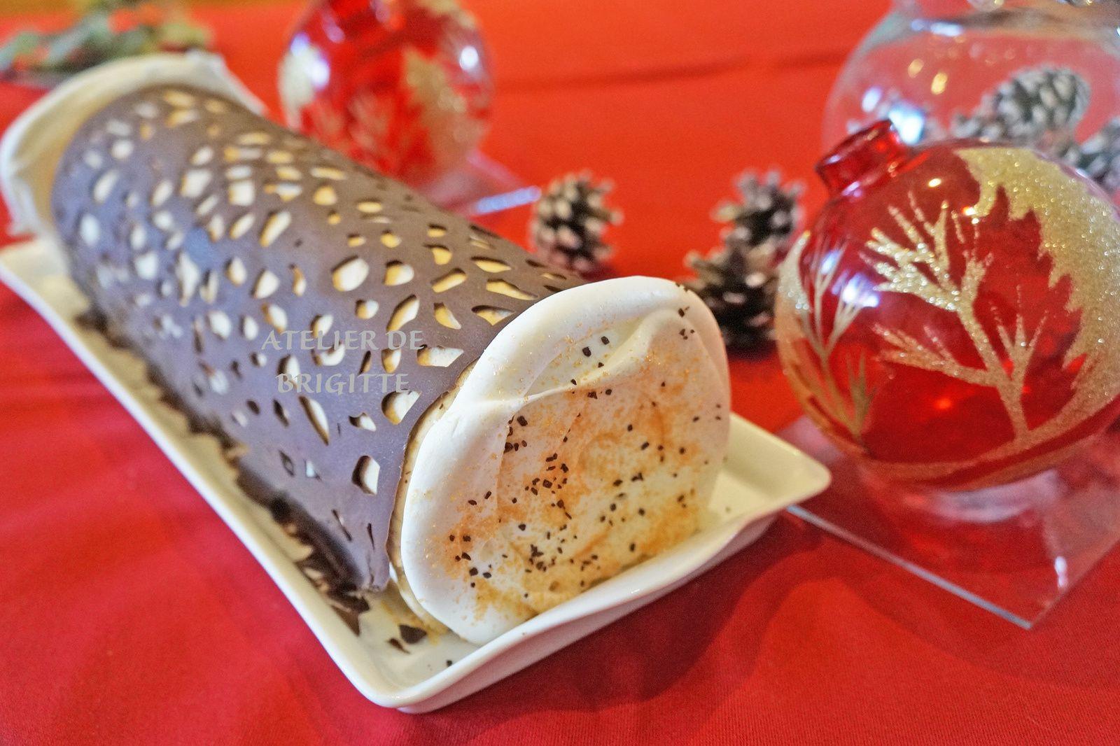 Bûche de Noël, Dessert Saint Sylvestre, Bûche, noisettes, caramel, recette de chef, Cédric Grolet
