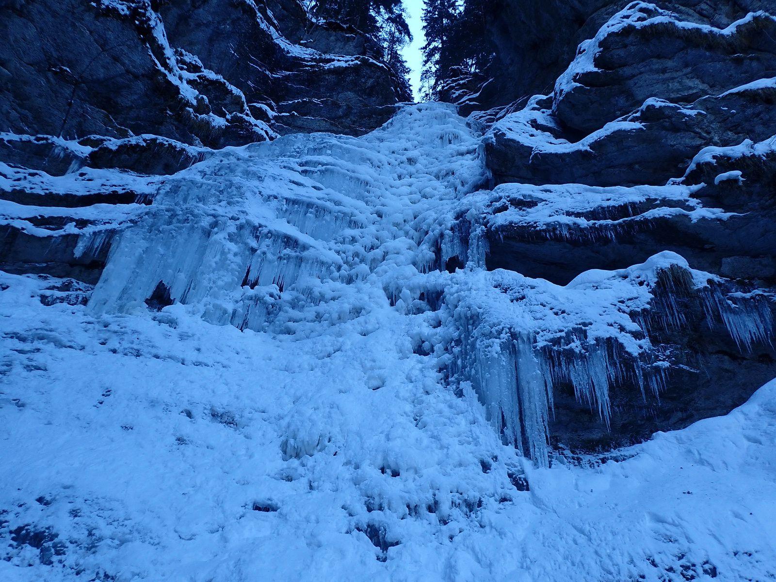 Cascade de Nant Burgeat: Le Vaisseau de Pierre (année 2017)