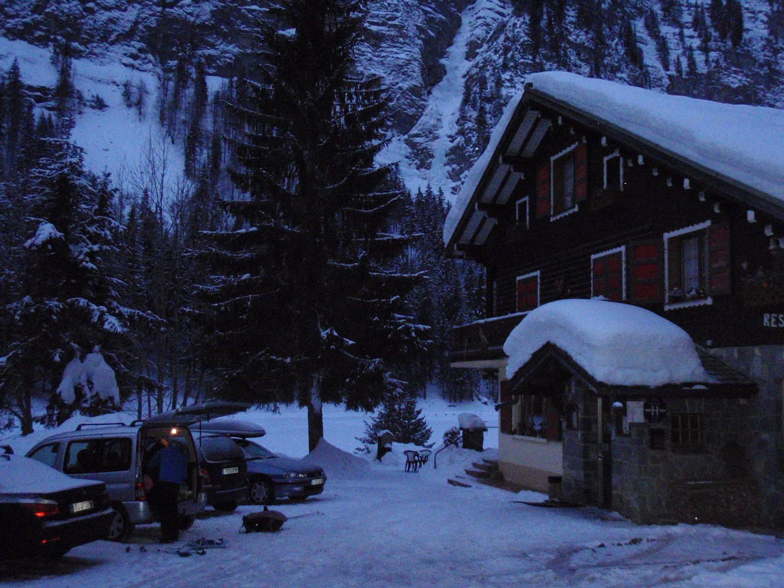 Cascade de Montriond: La Lapiaz- la Classique