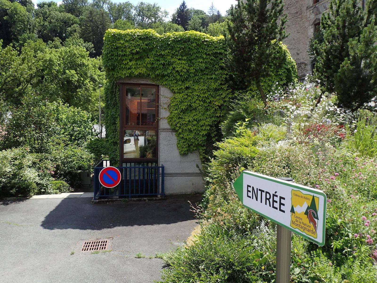 Centre de la Nature Montagnarde: Château des Rubins 1/2