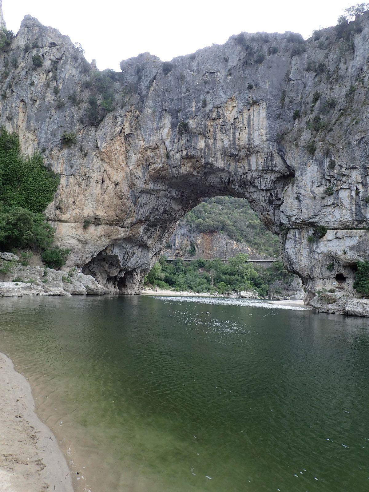 Vallon-Pont-d'Arc : Autour du Pont d'Arc