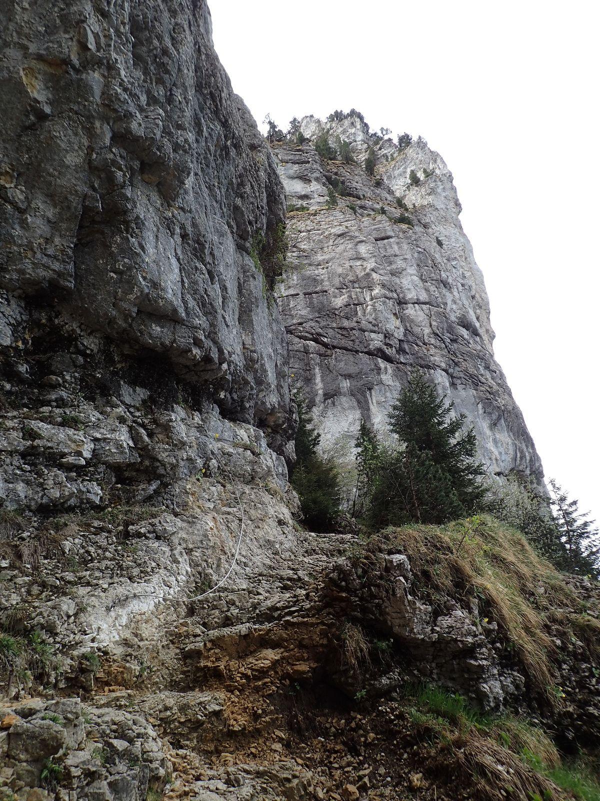 La Tête du Parmelan : Boucle Bois brûlé > Plateau > Grotte de l'Enfer 1/3