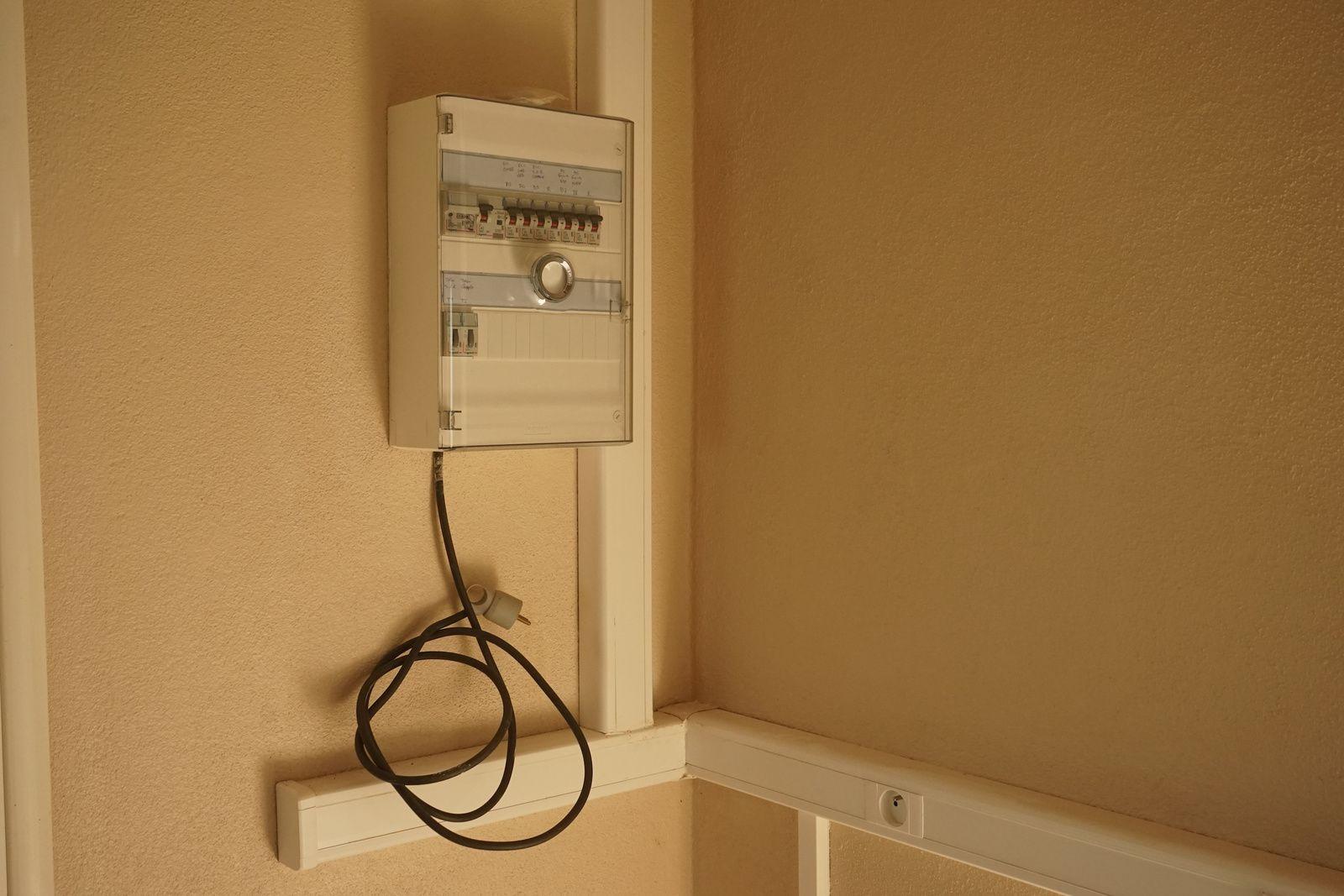 Le réseau électrique est opérationnel.