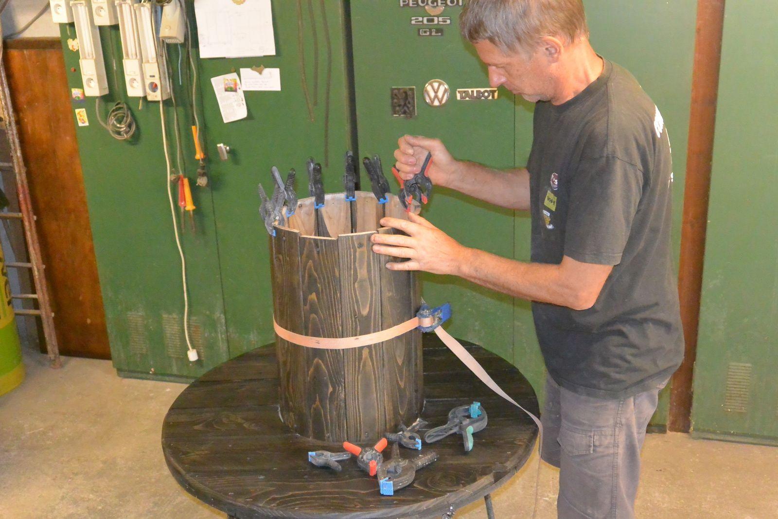 Transformer Un Tonneau En Bar idée : le recyclage des tourets. - le blog de denis