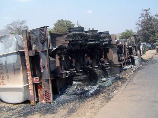 Collision entre un camion-citerne et un bus près de Kisantu