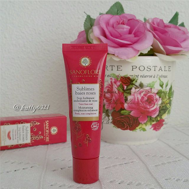 Sublimes baies roses de Sanoflore
