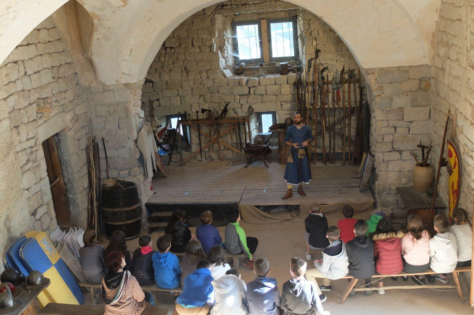Le Temps des chevaliers : Les Cinquièmes remontent le temps à Largentière