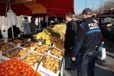 Les Policiers Municipaux peuvent-ils encaisser les droits de place ? (marchés, occupation du domaine public etc...)