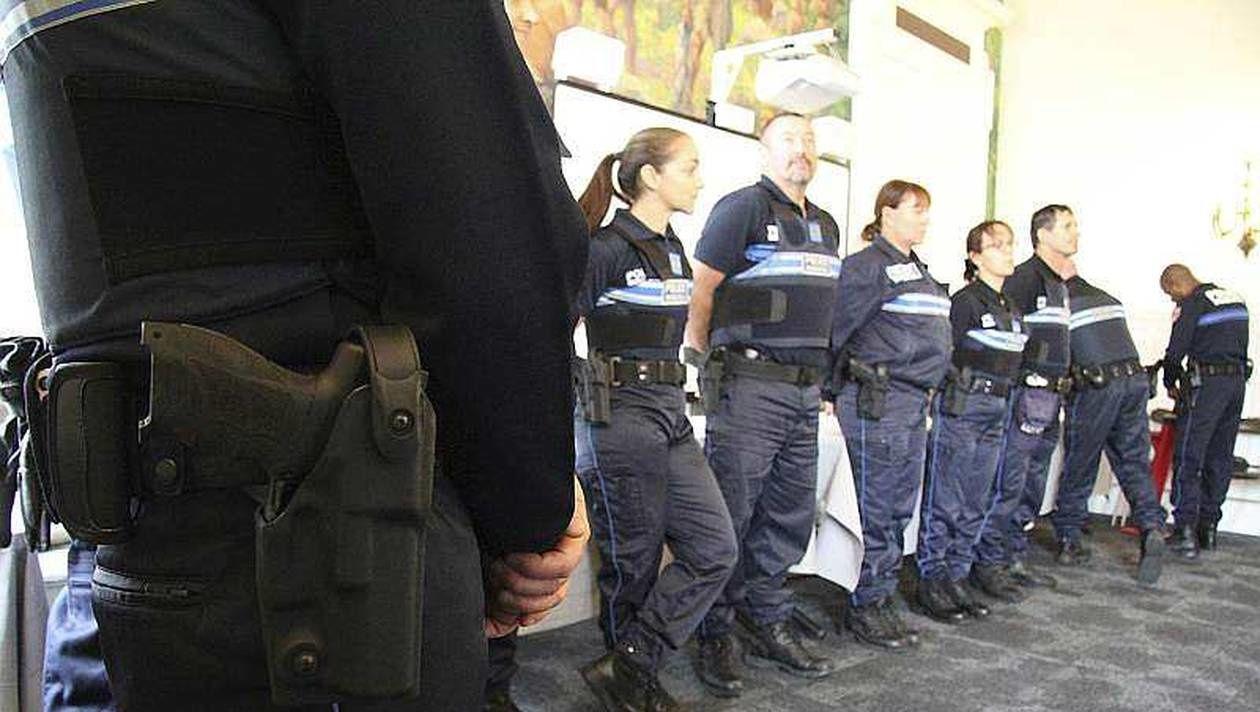 À Vannes, les 15 policiers municipaux sont équipés d'un semi-automatique de 9 mm depuis plus d'un an.