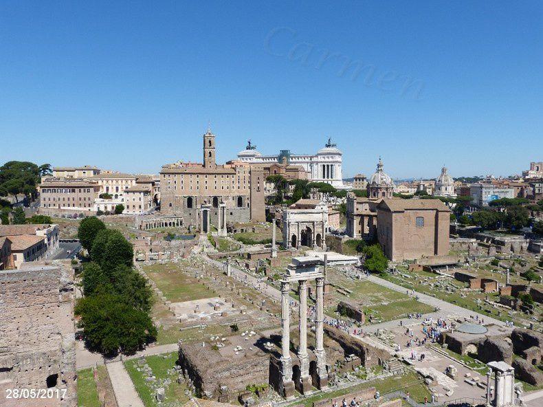 Le forum, dans les cités romaines, est la place publique qui réunissait la population pour les activités économiques, politiques et judiciaires.  Le forum était un marché, mais aussi le lieu des élections et des cérémonies civiles et religieuses. On y rendait la justice. Le Sénat ou les assemblées locales y tenaient leurs séances dans des bâtiments adaptés.