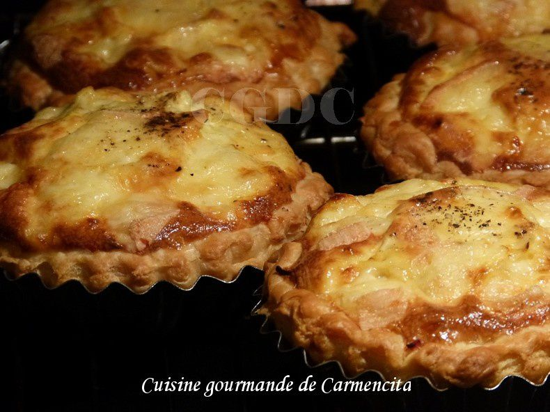 Tartelettes jambon fumé et Maroilles.