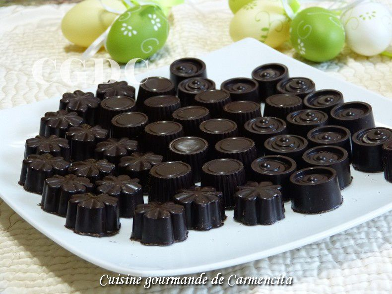 Chocolats noirs ganache à la fève Tonka amandes et Amaretto