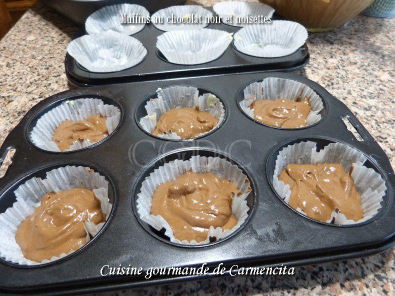 Muffins au chocolat noir et noisettes