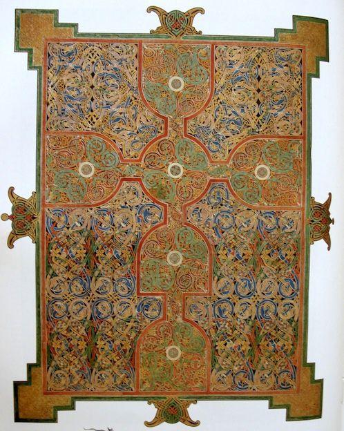 Évangéliaire de Lindisfarne, avant 698, bibliothèque de Londres, Commandité par l'évêque Eadfrith.