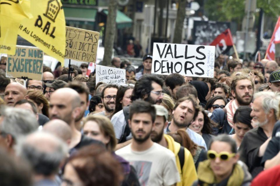 Loi travail: 153.000 manifestants selon la police, 300.000 d'après la CGT
