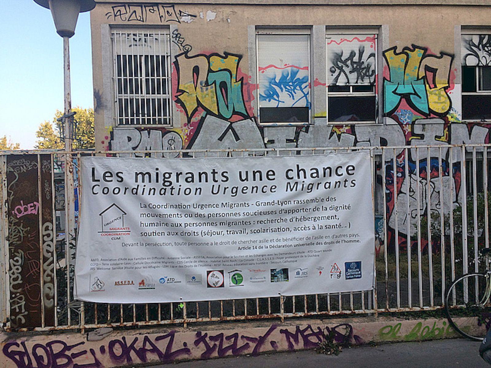 Migrants: Droit à la santé et accès aux soins ; les lieux de soins ; l'accompagnement des malades ; actions de l'Etat