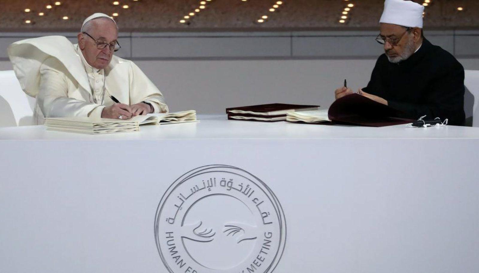 Lisons et créons des lieux d'échanges sur : la fraternité humaine pour la paix mondiale et la coexistence commune. Conférence de V. Feroldi