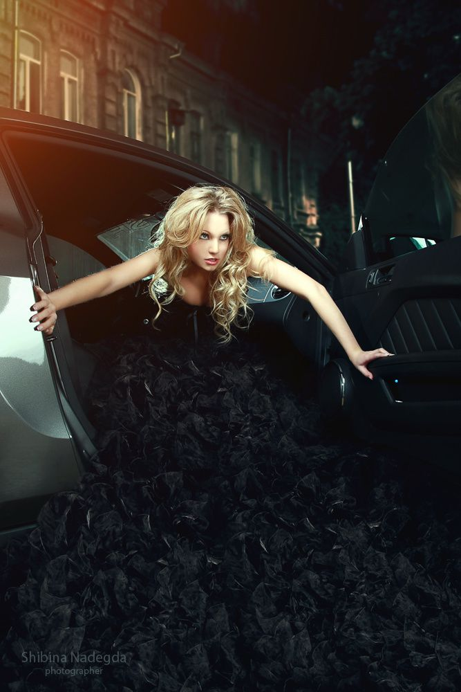 Femme - Blonde - Voiture - Picture - Free