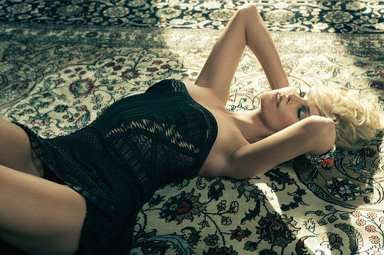 Charlize Theron - Femme - Blonde - Picture - Free