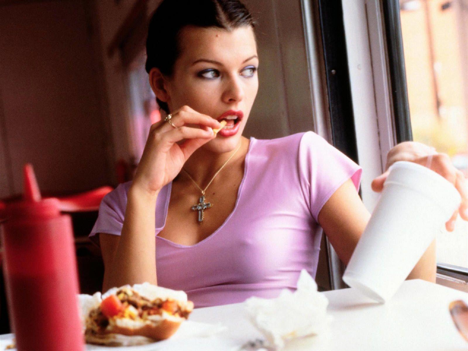 Bon appétit - Milla Jojovich - Femme - Nourriture - Wallpaper - Free
