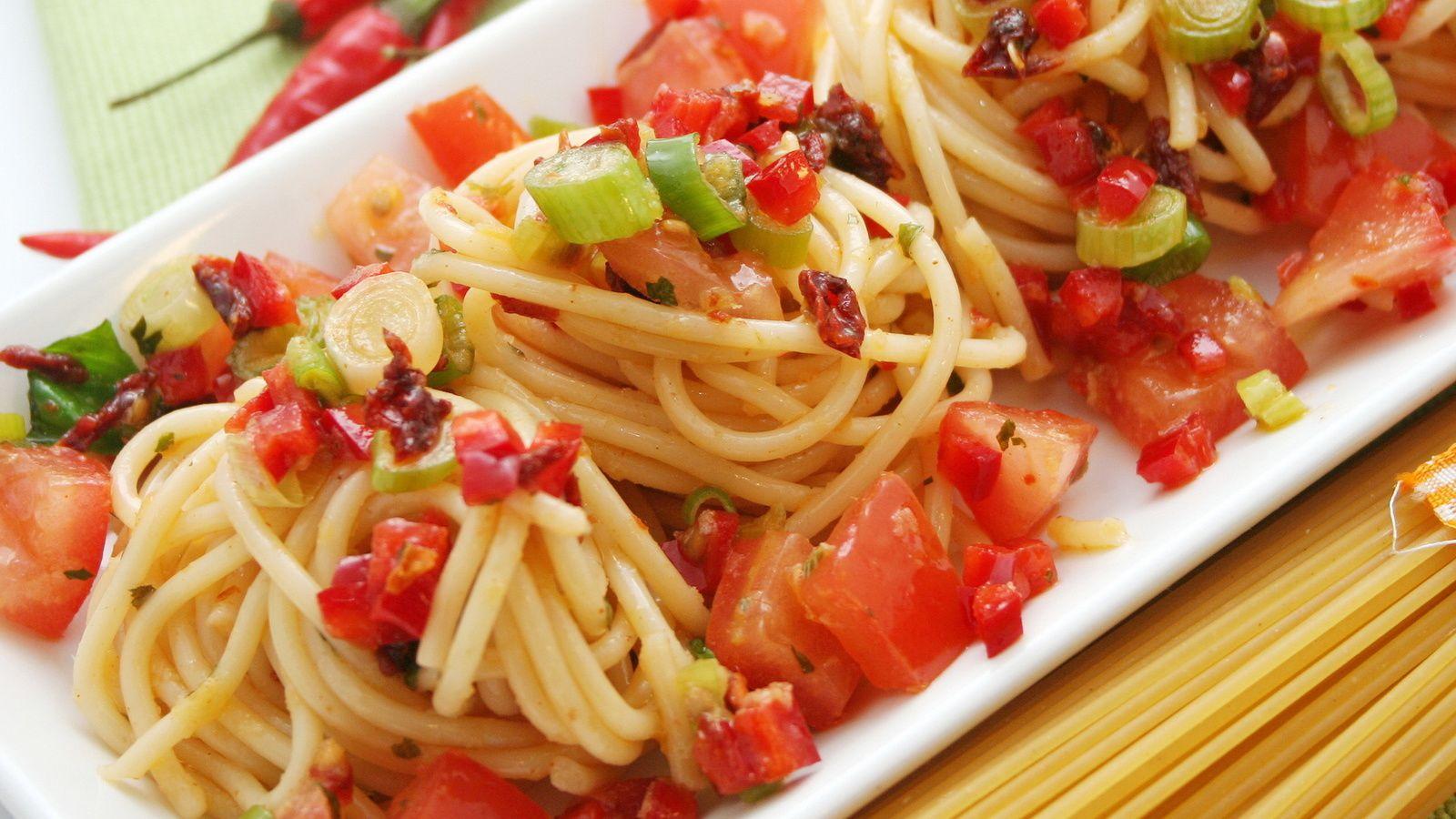 Bon appétit - Nourriture - Spaghettis - Tomates - Légumes - Wallpaper - Free