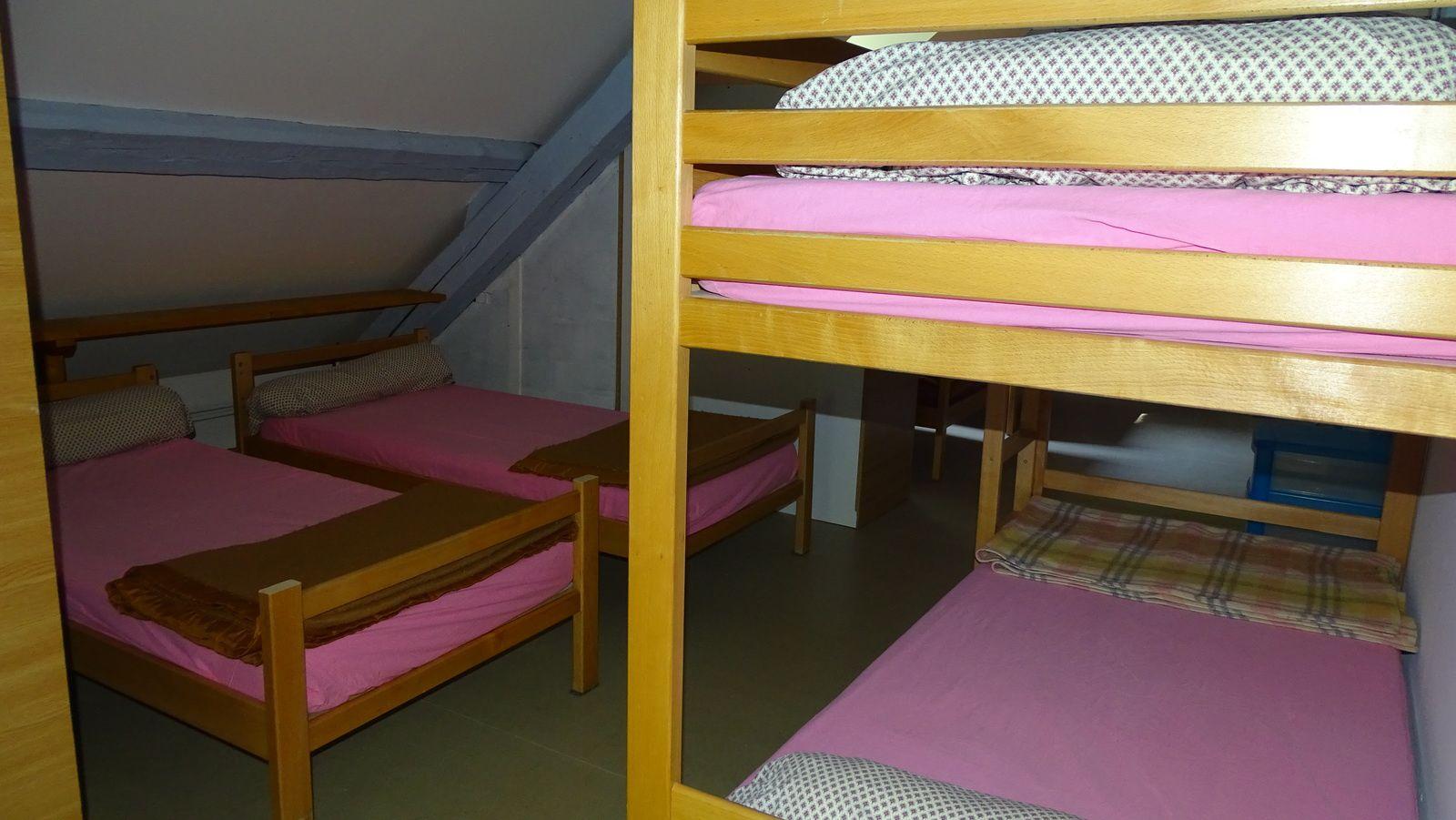 Une chambre de 12 lits