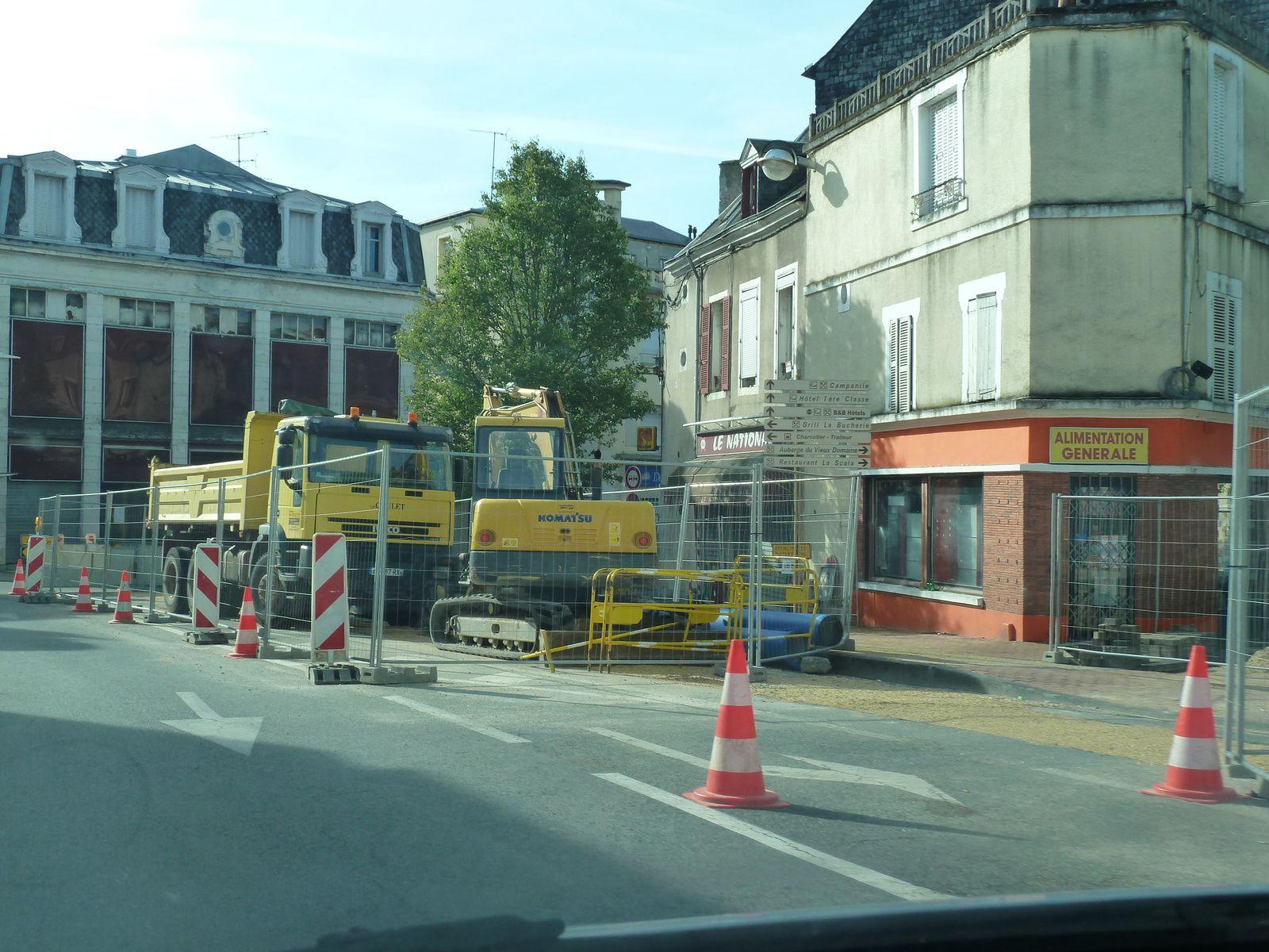 Démolition en centre-ville : le curage des bâtiments a commencé (photos et vidéo)