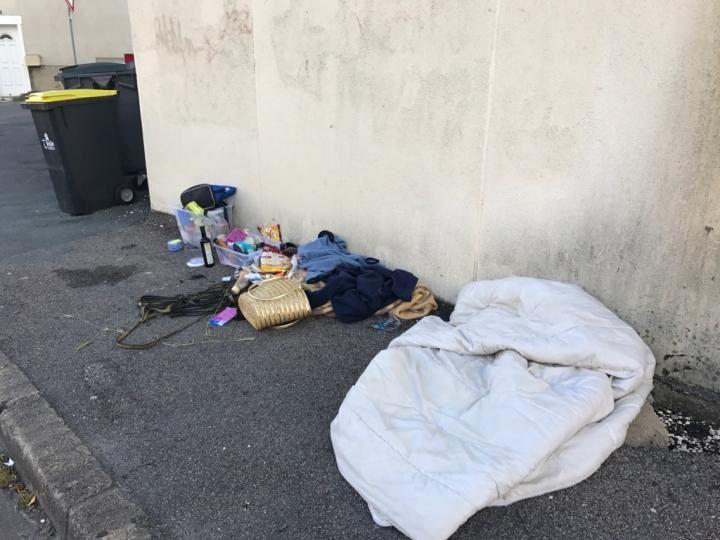 Une lectrice de Vierzonitude nous a gentiment envoyé ces photos, en direct ce jeudi matin, de la rue Charles-Hurvoy ! Qui dit mieux ?