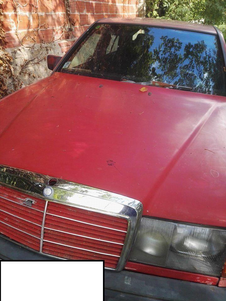 A qui la Mercedes rouge abandonnée au bord du Cher ?