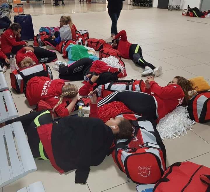 Direction la France, en attendant nos Medley'dies patientent à l'aéroport de Venise  pour l'embarquement.