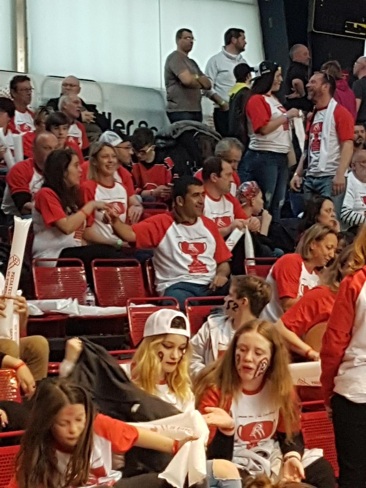 Les supporters des Prédateurs prêts pour le match !