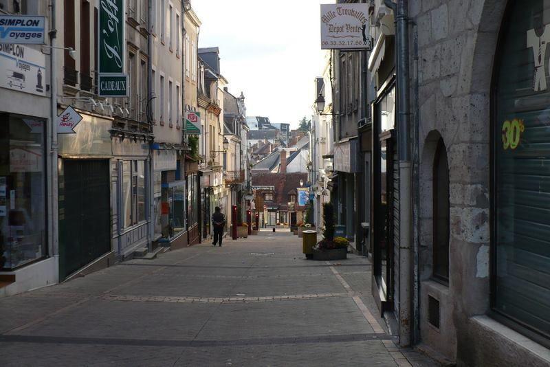 Ouvrir des commerces rue Joffre ne suffira pas à refaire vivre la rue