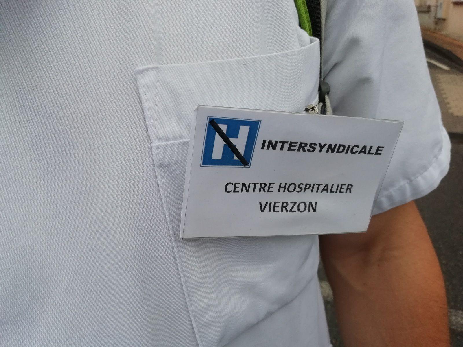 Hôpital : le blocage de la route de Tours, c'est parti