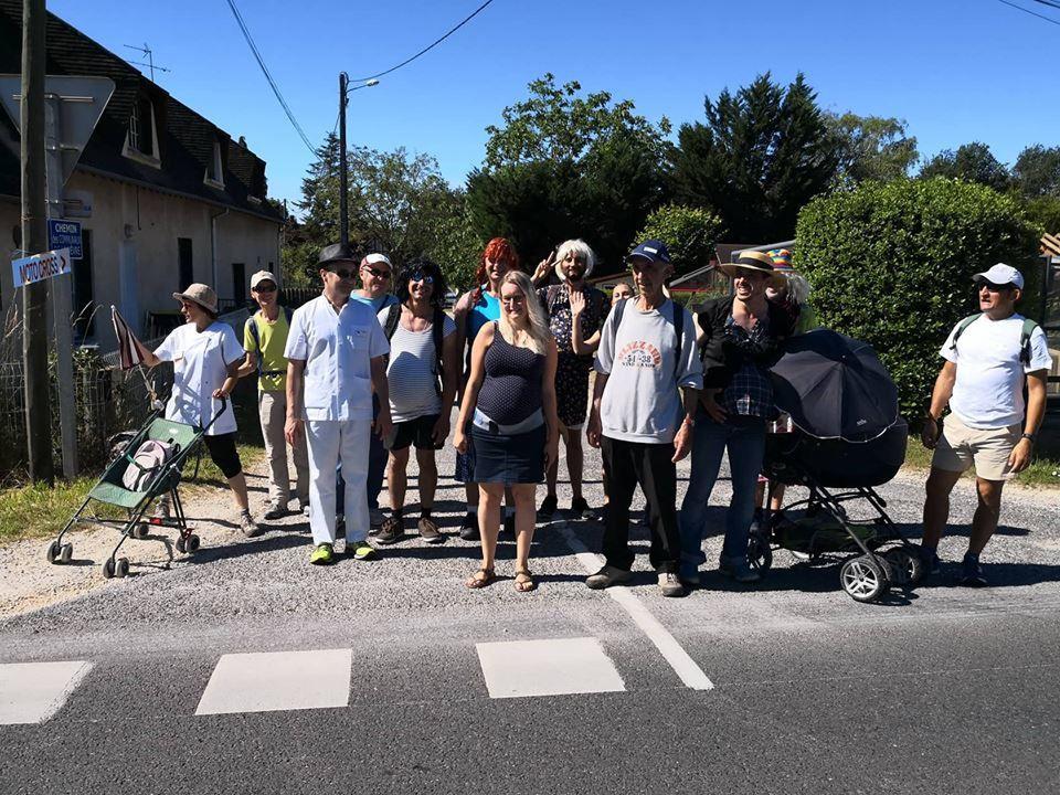 Hôpital : la marche des femmes et des hommes enceintes de Vierzon à Bourges