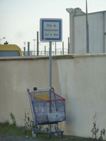 On ne peut pas dire que le côté du stationnement n'est pas respecté. A moins de ne pas être dans la bonne quinzaine.