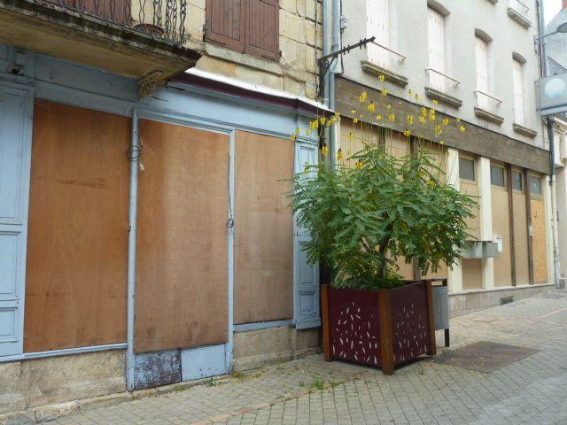 Vierzon, précurseur des vitrines en bois bien avant la ville de Bourges !