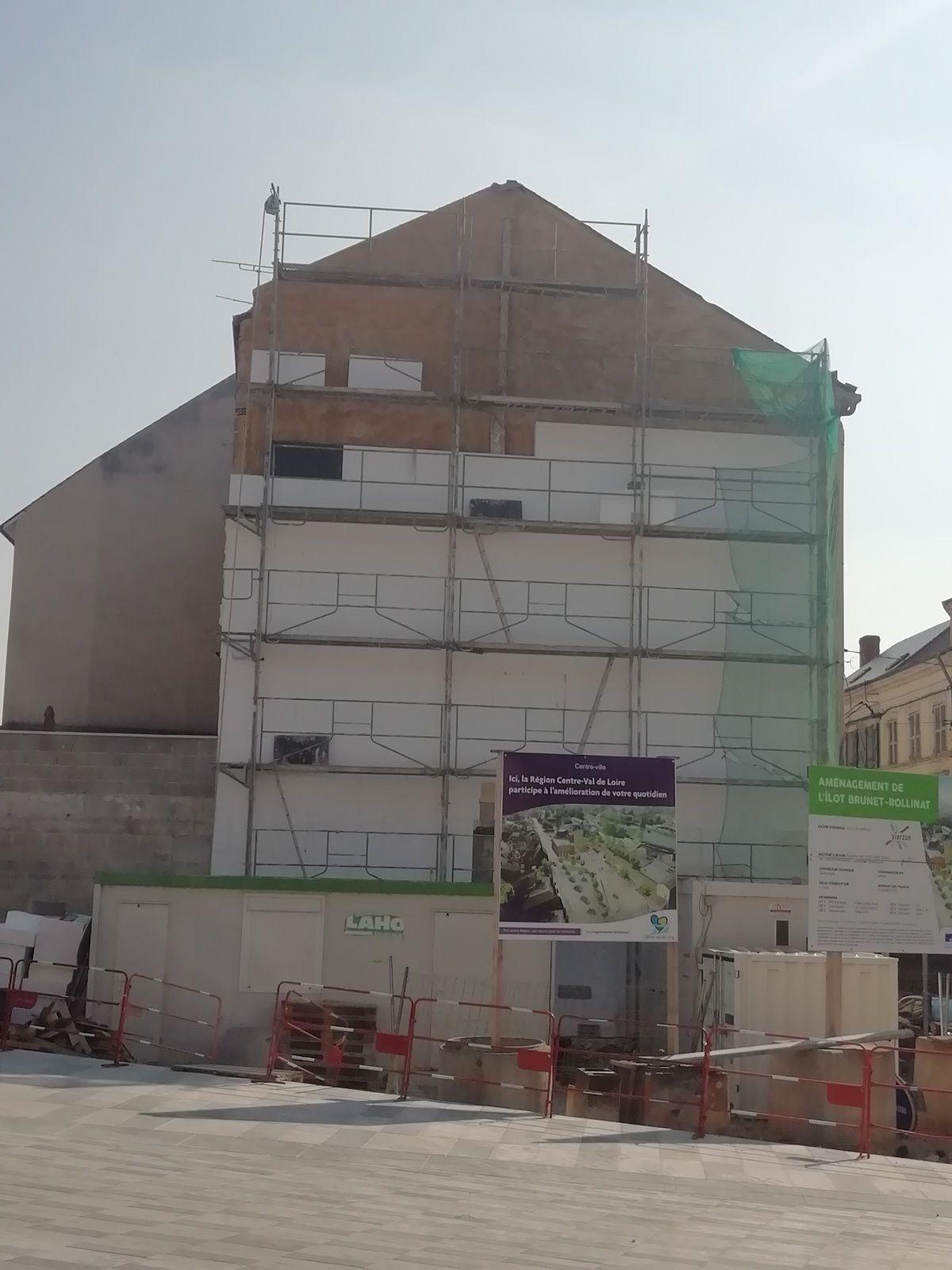 La façade de la maison de la rue Voltaire (ex-Rotonde)