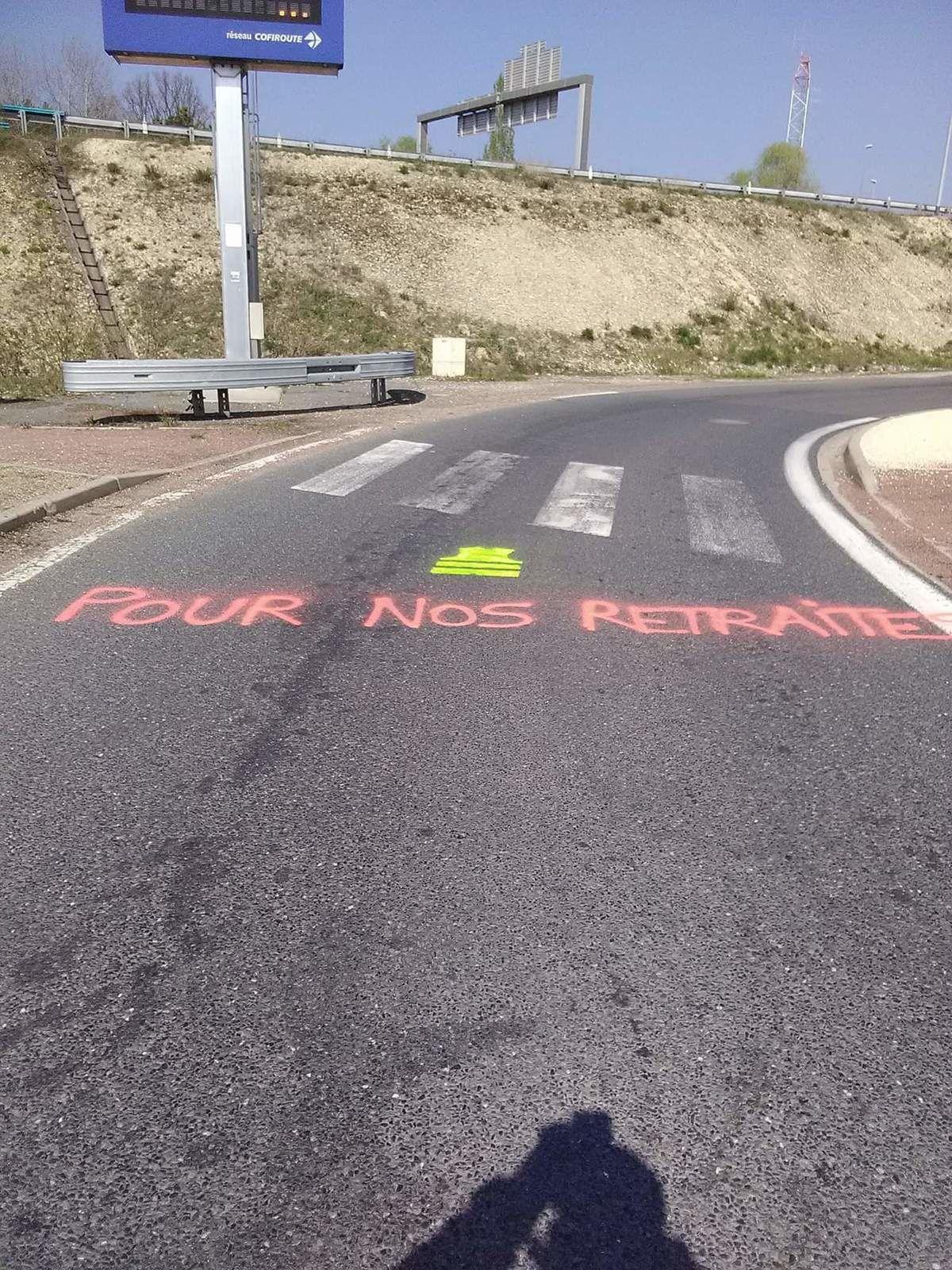 Ce samedi 13cavril, route de Paris. Photos lecteur de Vierzonitude