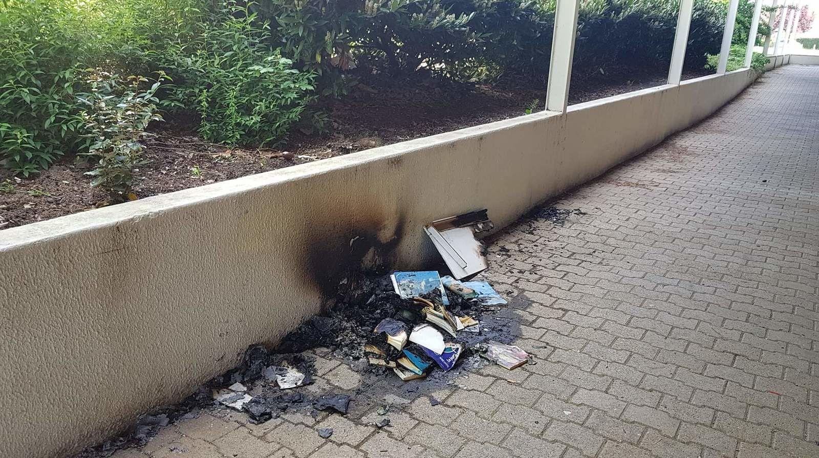 La boîte à livres incendiée à Chaillot sera remplacée bientôt