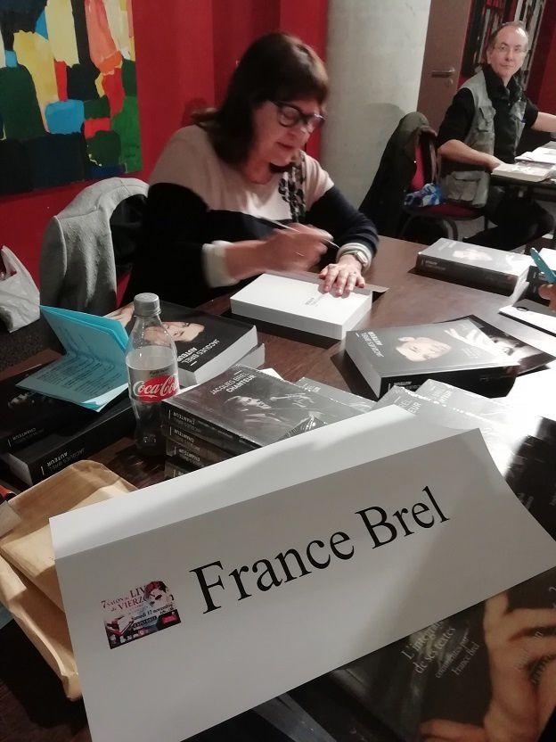 France Brel : Vierzon a eu le talent de baptiser une place Jacques Brel aujourd'hui