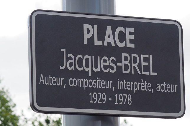 Et France Brel inaugura la place Jacques Brel à Vierzon