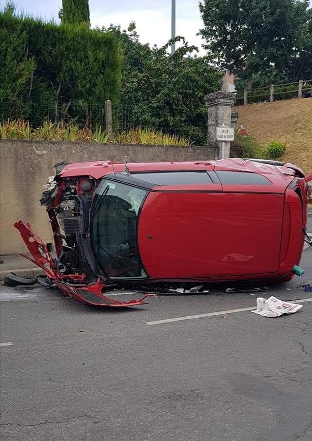 Spectaculaire accident rue du Bas de Grange