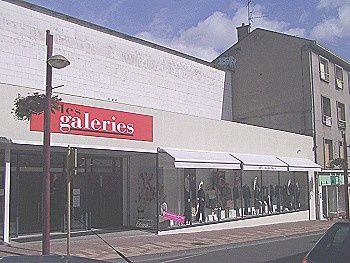 Les Galeries ferment, séisme de magnitude 10 à Vierzon