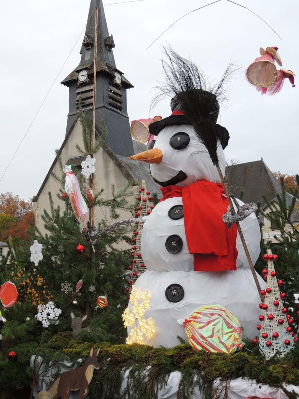 Nançay a installé ses décors de Noël
