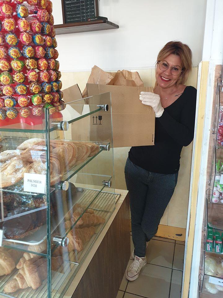 Les Ladie's Circle de Vierzon ont distribué des brins de muguet aux soignants