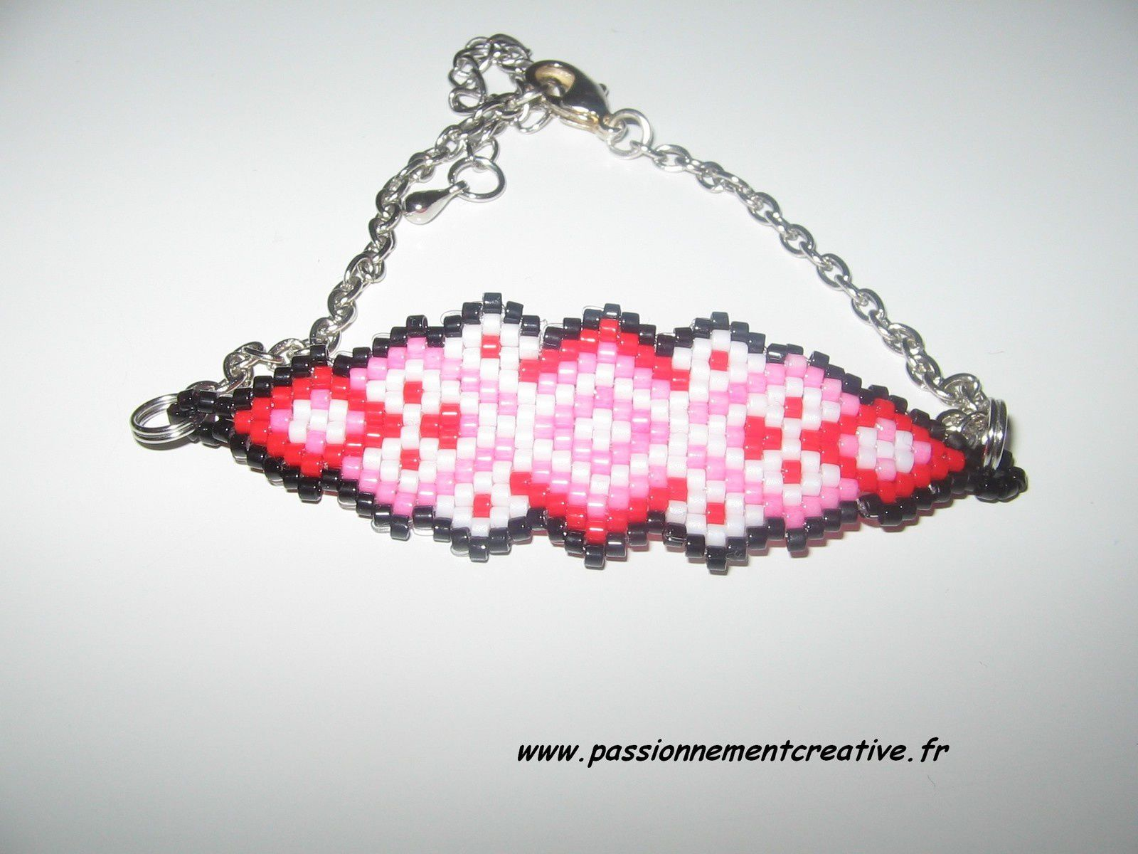 Bracelet En rouge et noir en perles Miyuki