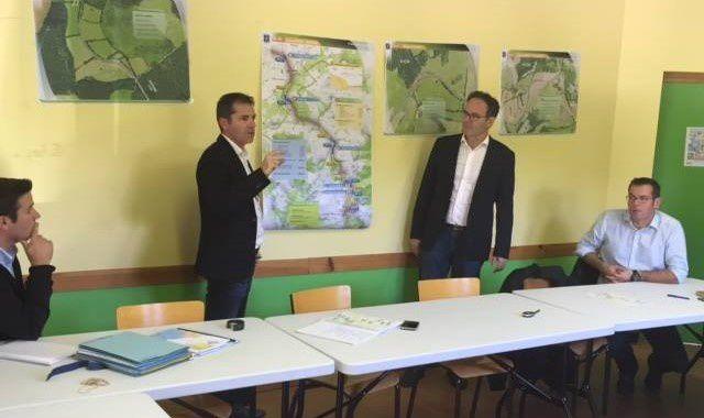 Les élus départementaux Alain Marc et Sébastien David, accompagnés des ingénieurs subdivisionnaires Sébastien Durand, et Laurent Carrière.