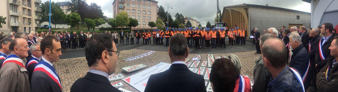 [Communes] Rassemblement des élus de l'Aveyron contre la baisse des dotations de l'état