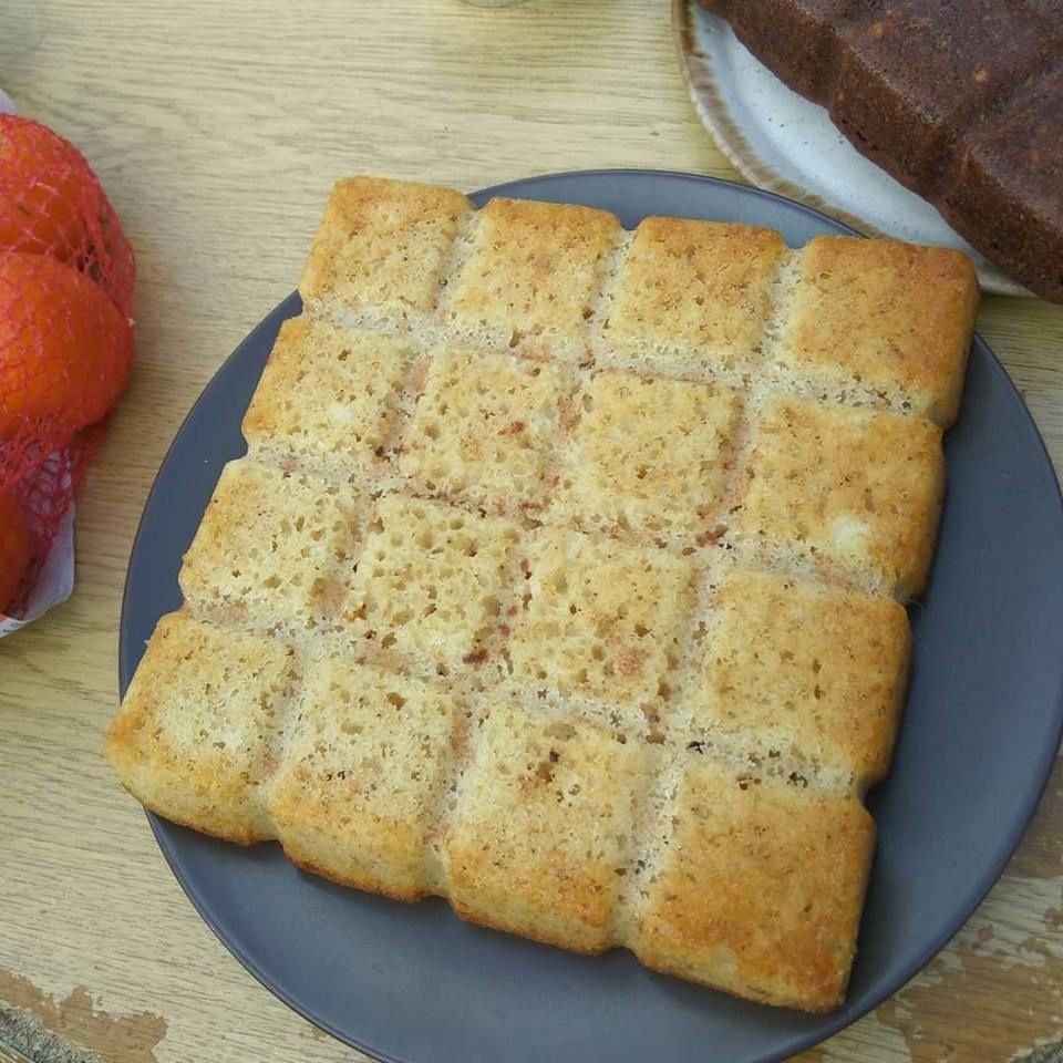 Gâteau au yaourt bulgare à la vanille équitable et fève de Tonka sans gluten .